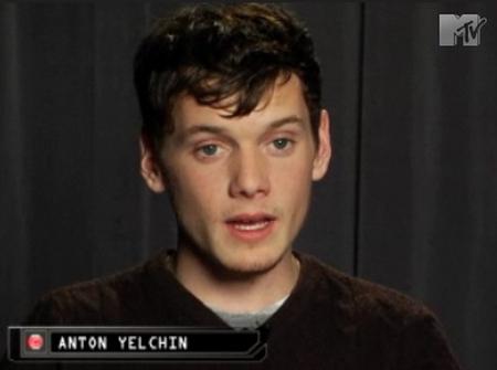 Yelchin On Aliens, S--- Blowin' Up, Etc.